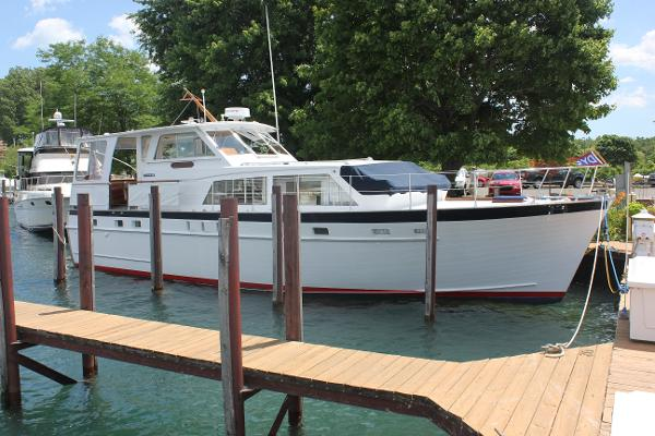 Matthews 45 Flushdeck Starboard profile