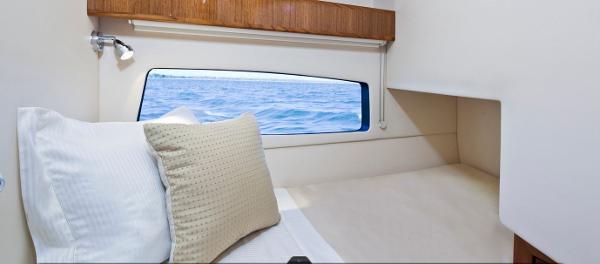 Maritimo 440 Offshore Convertible Cabin