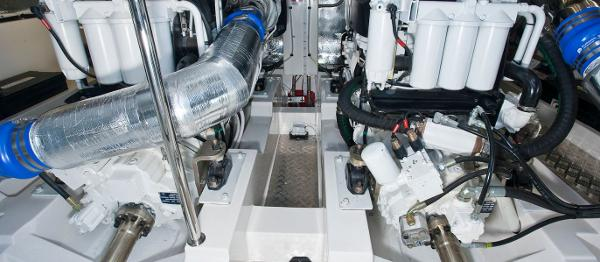 Maritimo 470 Offshore Convertible Engines