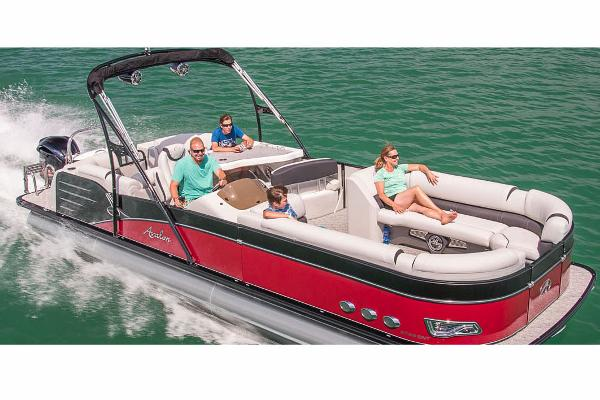 Avalon Catalina Platinum Entertainer - 27'