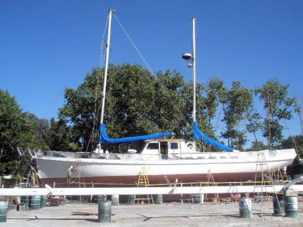Refit On Hard, Side View