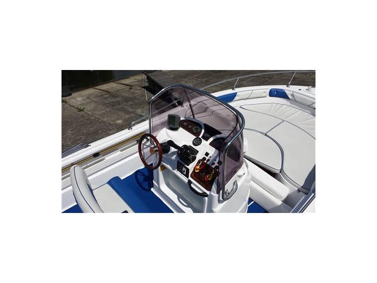 Ranieri Cantiere Voyager 21