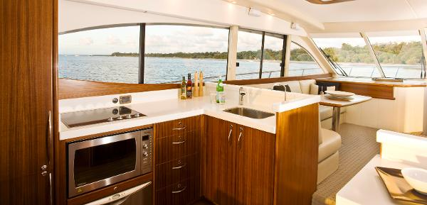 Maritimo C60 Sports Cabriolet Galley