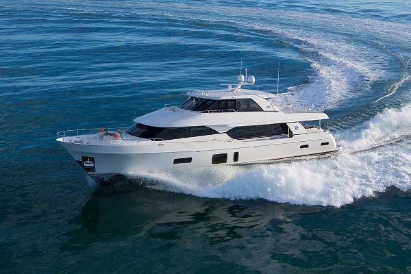 Ocean Alexander 100 Megayacht