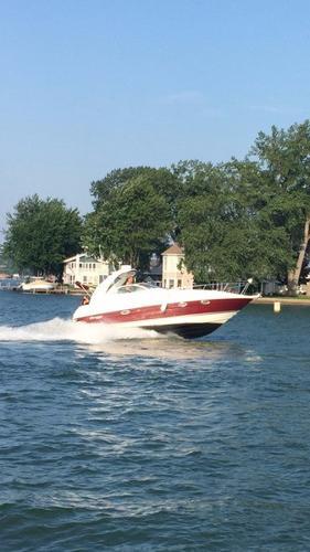 Cruisers Yachts 300 Express