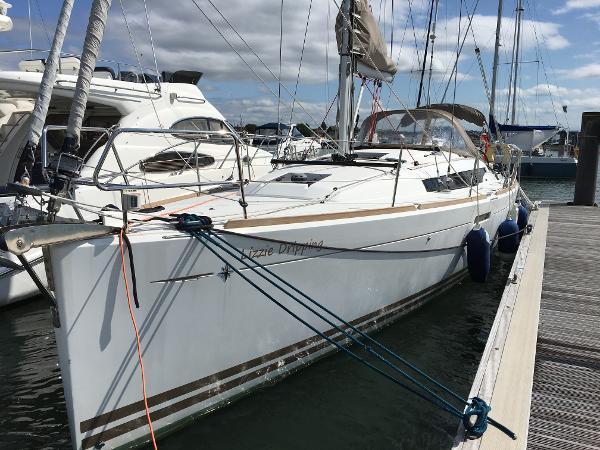 Jeanneau Sun Odyssey 379 Jeanneau Sun Odyssey 379 - Lizzie Dripping