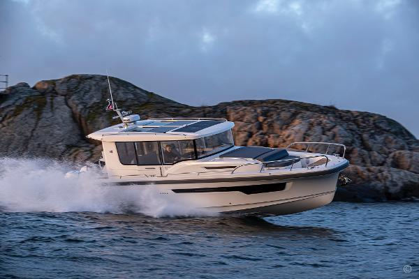 Nimbus Commuter 11 Grosvenor Yachts - Nimbus Commuter 11 yacht for sale in London and the United Kingdom