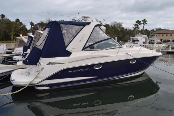 Monterey 320 Sport Yacht Profile