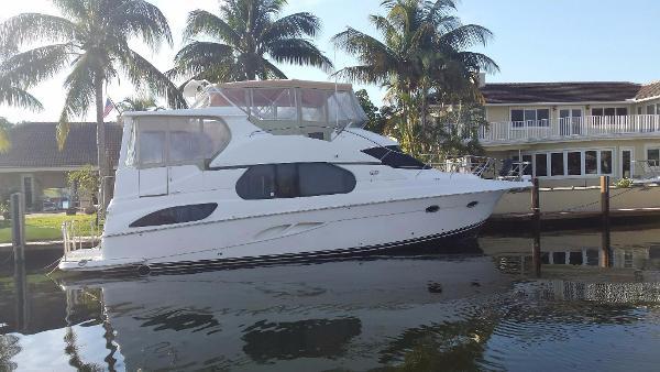 Silverton 43 Motor Yacht Bow Thruster!