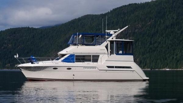 Carver 405 Motor Yacht