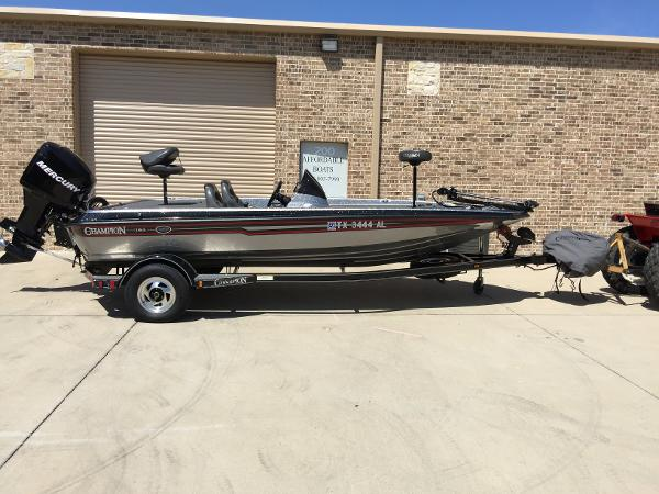 Champion Boats 183 Elite