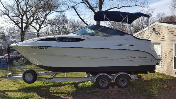Bayliner 245 SB Cruiser Port View On Trailer