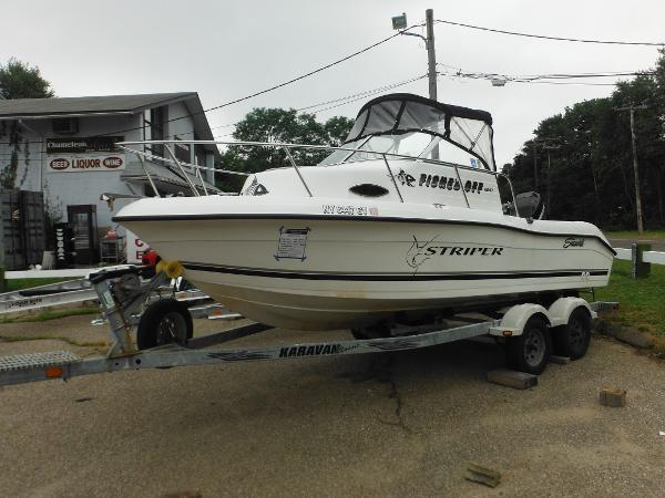 Seaswirl Striper 1851 Walkaround O/B