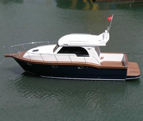 Sanremo 34 Sedan Image 1