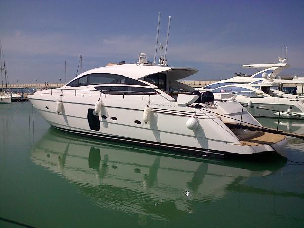 Pershing 64 Pershing 64 - YEAR 2013 - Timone Yachts