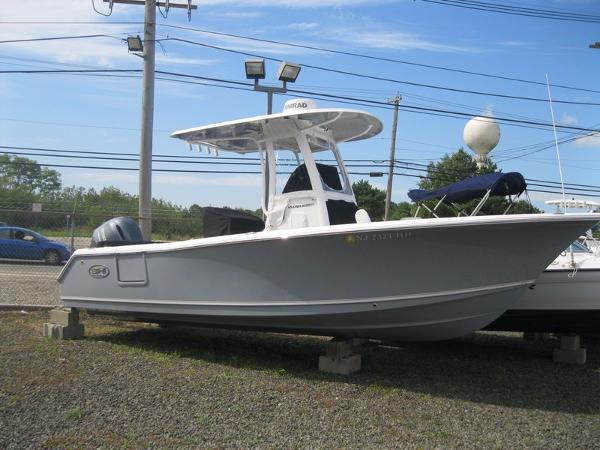 Sea Hunt Ultra 235 SE