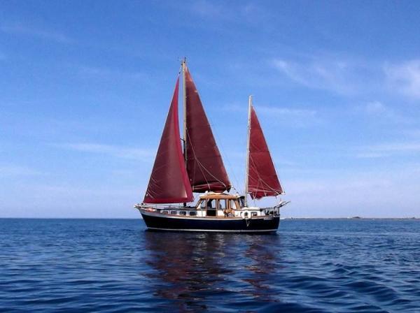Nauticat 33