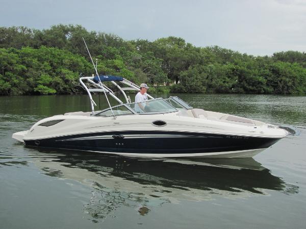 Sea Ray 300 Sun Deck