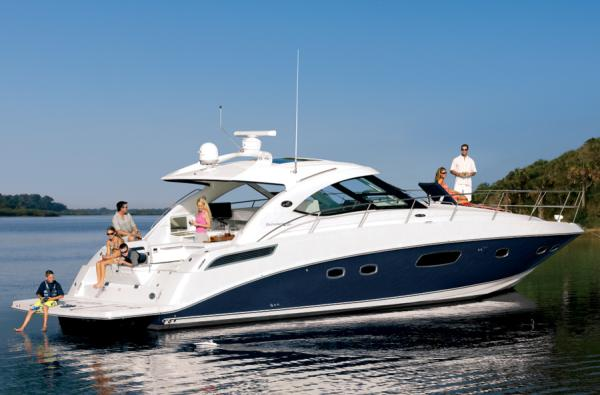 Sea Ray 470 Sundancer Manufacturer Provided Image