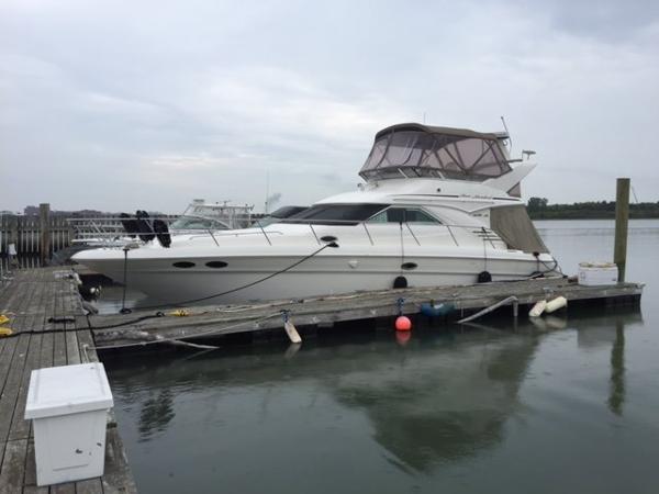 Sea Ray 400 Sedan Bridge Profile-1