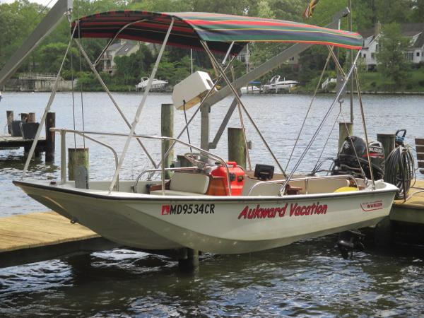 Boston Whaler 13 Super Sport Port Bow