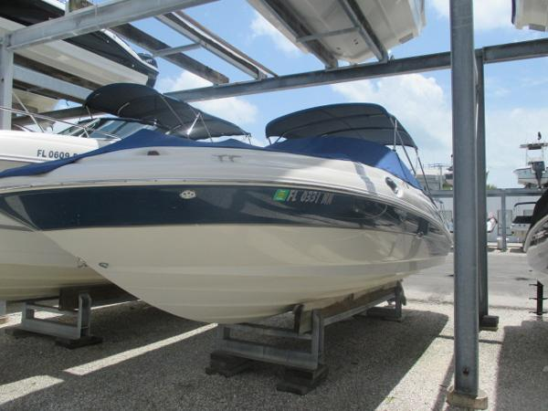 Sea Ray 270 Sundeck