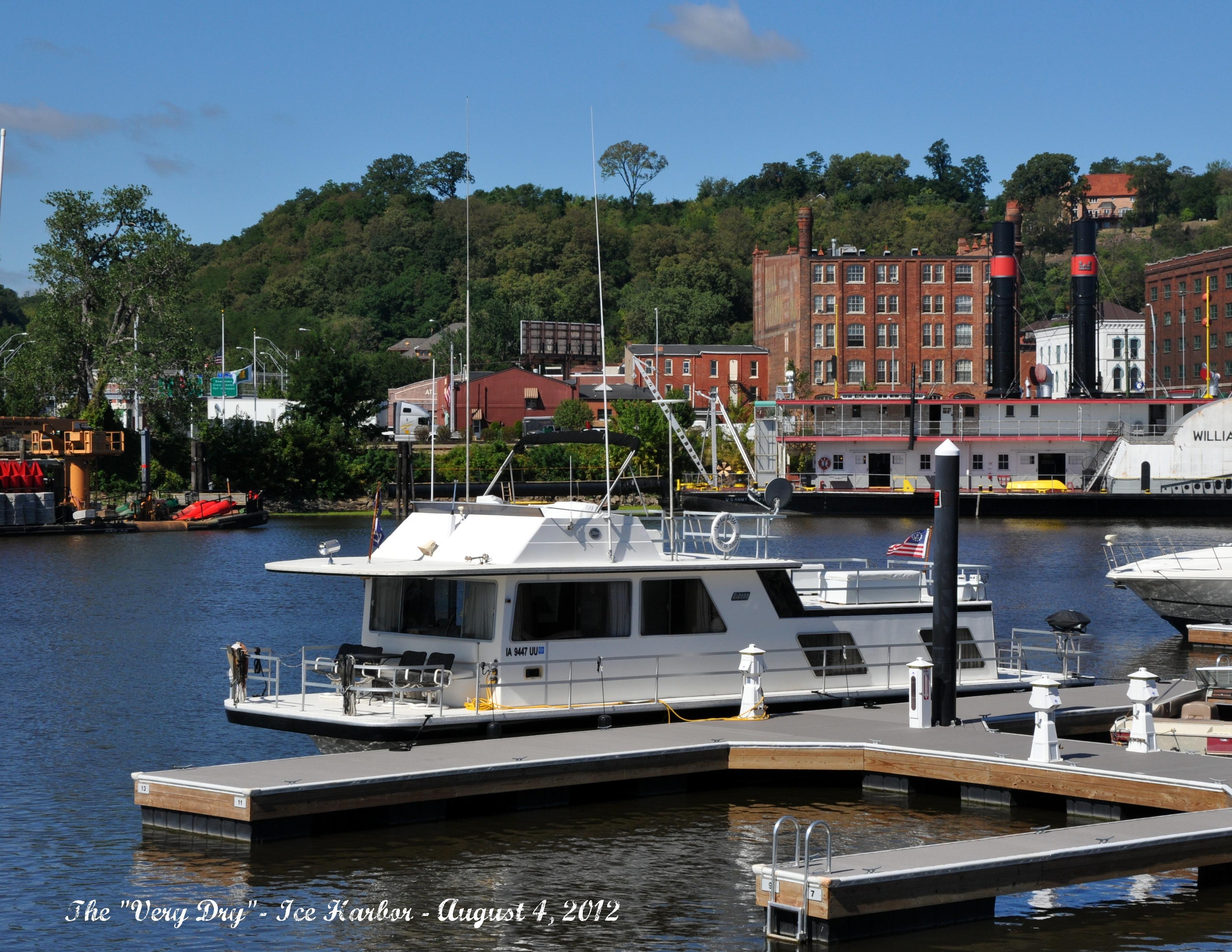 Gibson Houseboat