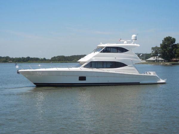 Maritimo M56 Motor Yacht Profile