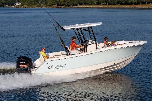 Robalo R230 Center Console Manufacturer Provided Image
