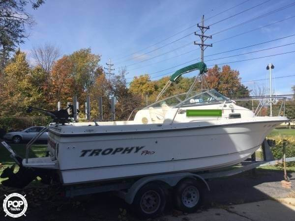 Trophy Pro 2052 Walkaround 2003 Trophy Pro 2052 Walkaround for sale in Richmond Heights, OH