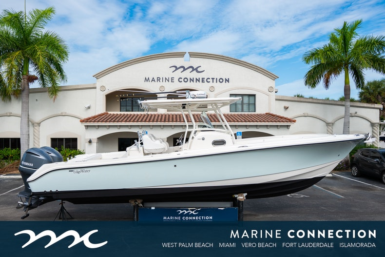 Edgewater 318cc Center Console