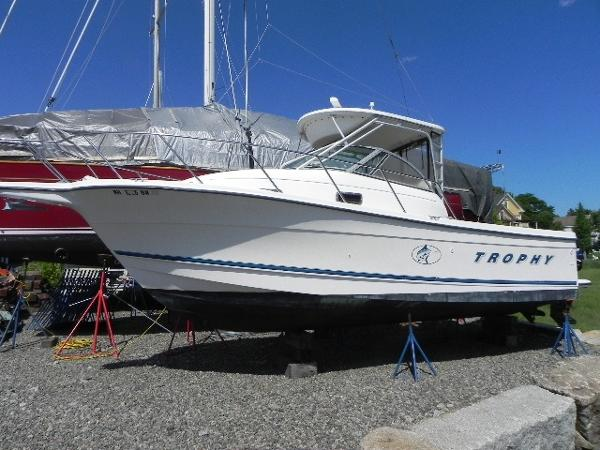 Bayliner 2802 Trophy Walkaround