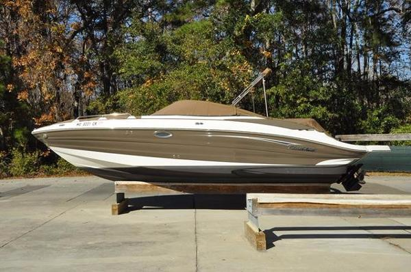 Cruisers Sport Series 278 Bow Rider