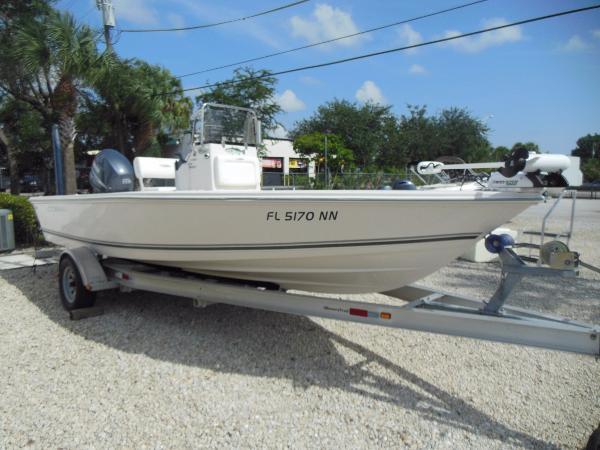 Cobia Boats 19 Bay