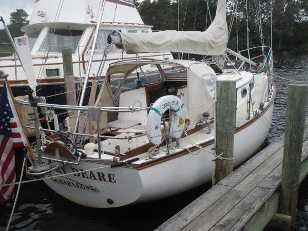 Cape Dory 28