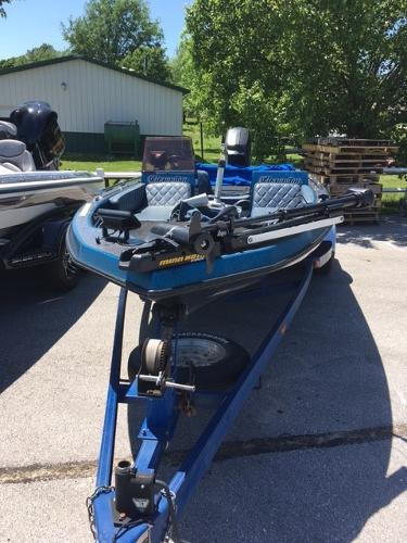 Champion Boats 180