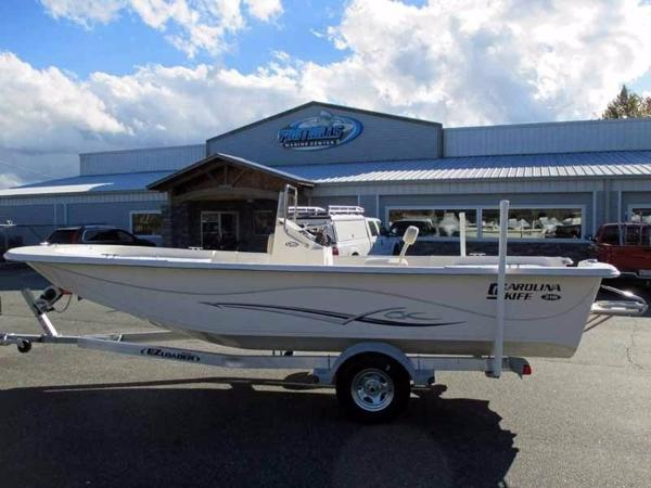 Carolina Skiff DLV Series 218