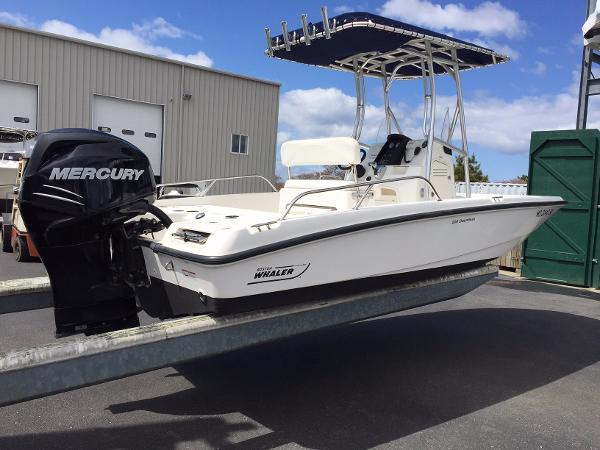 Boston Whaler 200 Dauntless