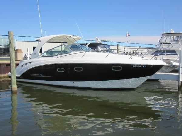 Chaparral 330 Signature DOCKSIDE PROFILE