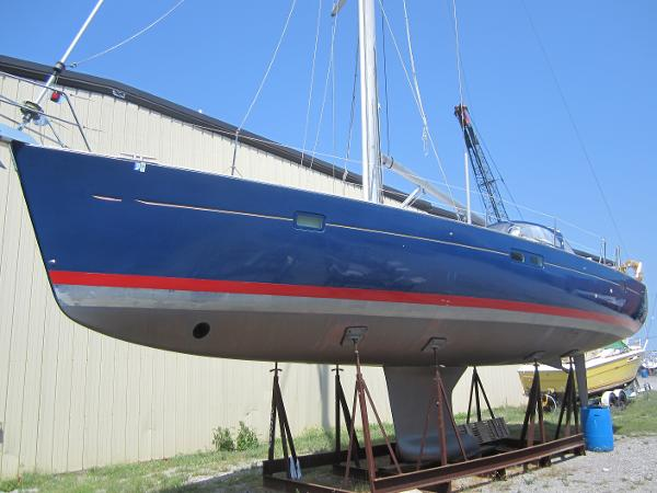 Beneteau 473 Port side forward