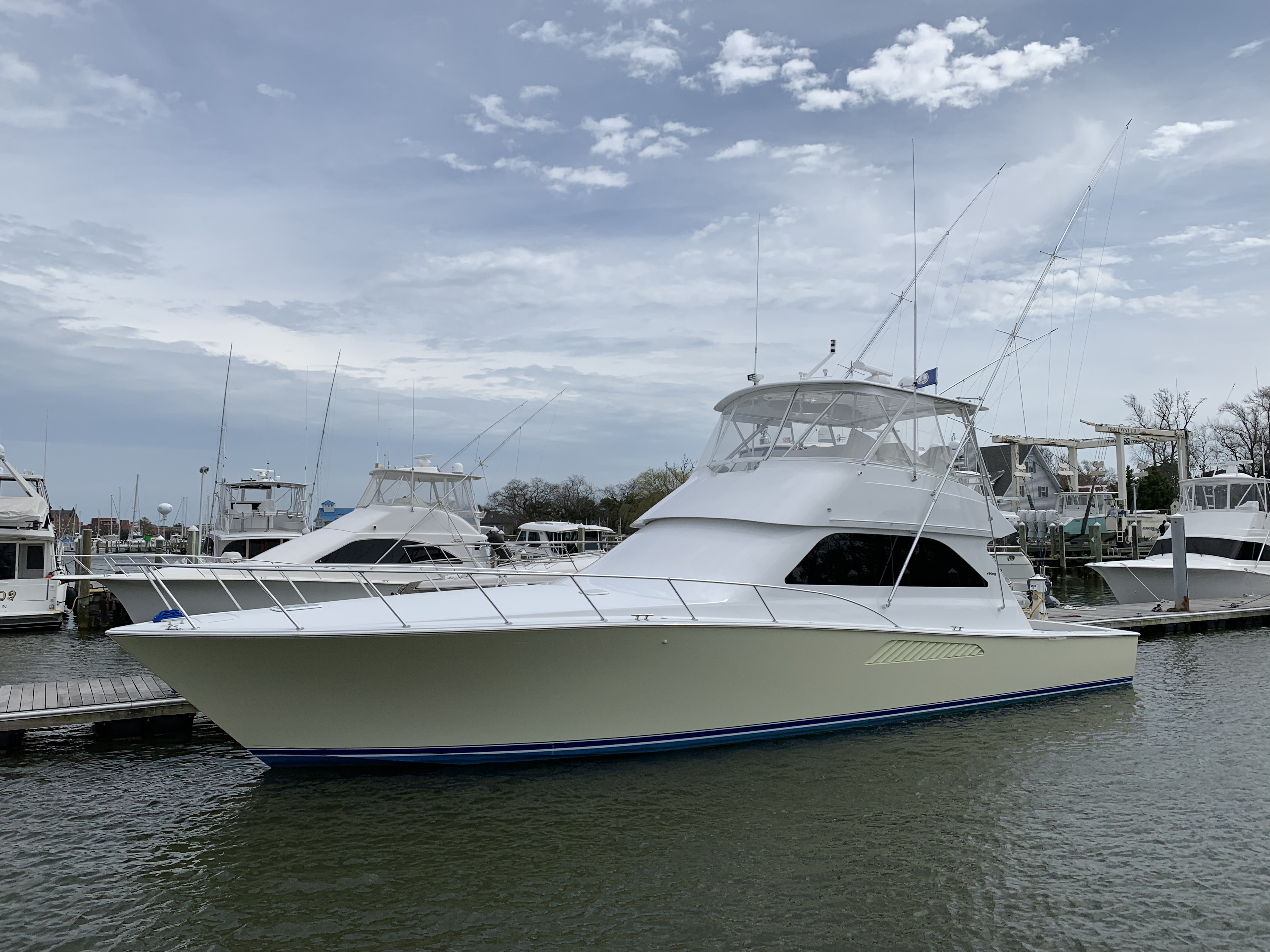 Viking 52 Convertible Paint & Seakeeper