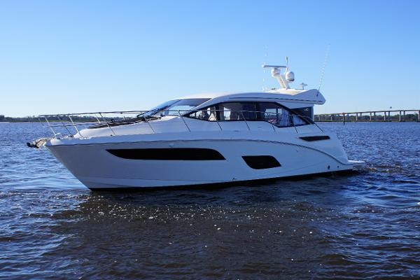 Sea Ray 460 Sundancer 2019 Sea Ray 460 Sundancer