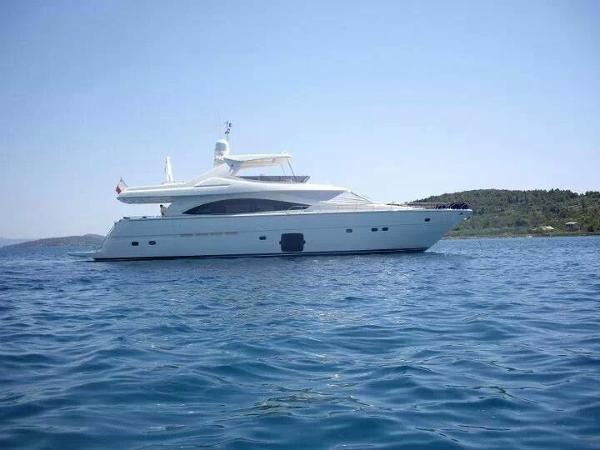 Ferretti Yachts 830 Ferretti Yachts 830
