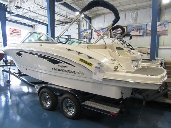 Chaparral 224 Sunesta Actual pic in showroom.