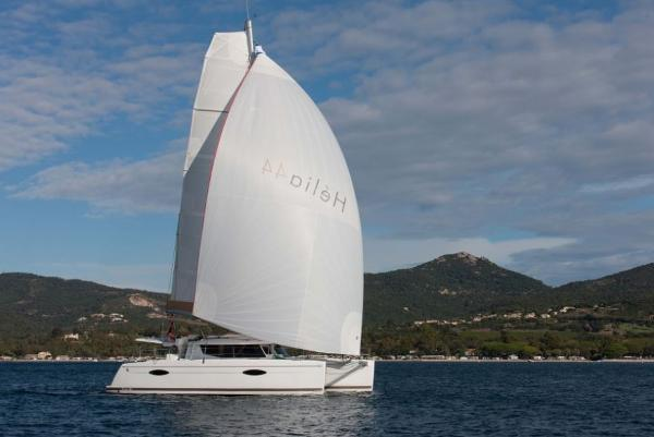 Fountaine Pajot Helia 44 Sailing