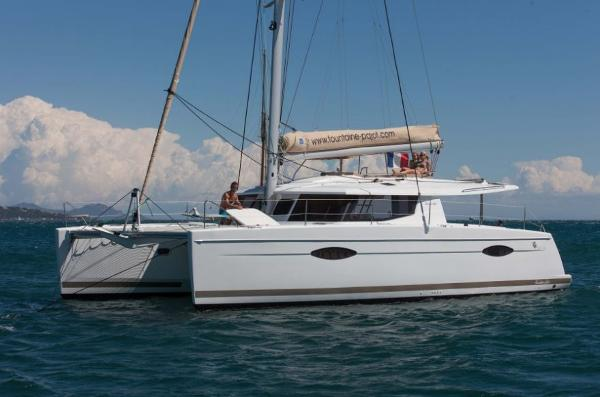 Fountaine Pajot Helia 44 Manufacturer Provided Image: Fountaine Pajot Helia 44 Side View