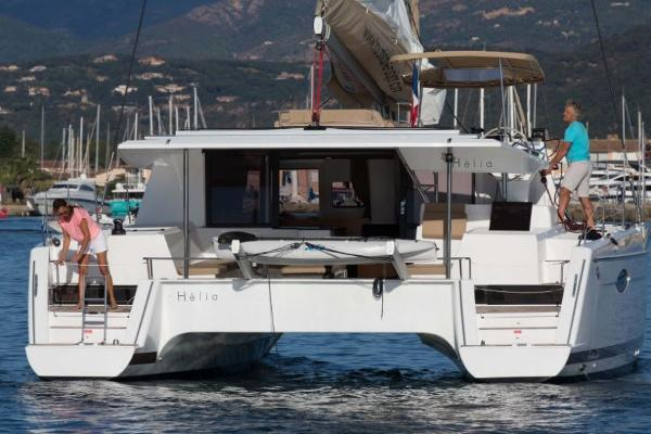 Fountaine Pajot Helia 44 Stern