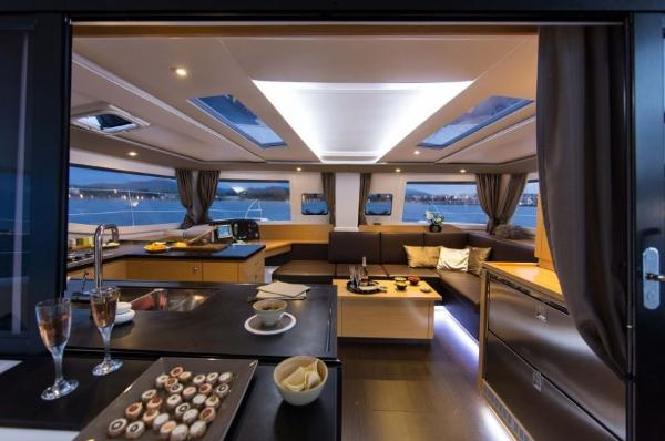 Fountaine Pajot Helia 44 Interior