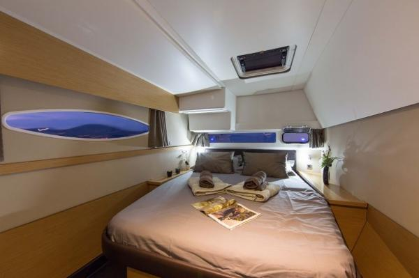 Fountaine Pajot Helia 44 Cabin