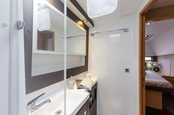 Fountaine Pajot Helia 44 Heads